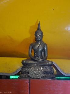 Buddahfigur für Menschen, die an einem Donnerstag geboren wurden.